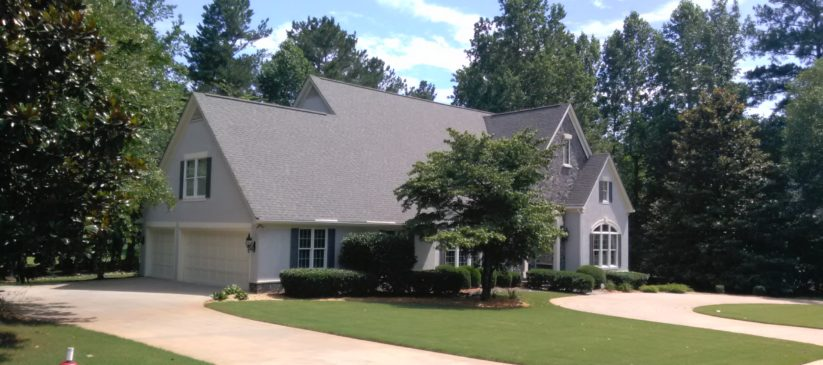 Newnan pressure washing and roof cleaning to remove black stains in Newnan, Ga